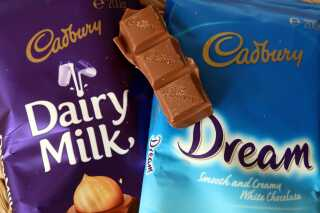 Cadburys produktion på en australsk chokoladefabrik er indstillet midlertidigt efter angrebet.