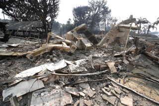 Ruinerne af den amerikanske sanger Robin Thickes hus i Malibu, der blev ødelagt af branden Woolsey 10. november.