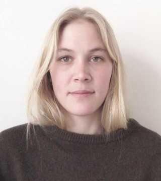 Anna Aagaard Jensen, der er opvokset i Esbjerg, bor for tiden i Holland, hvor hun også har en mastergrad fra Design AcademyEindhoven.