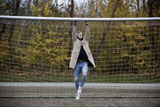 Bro elsker stadig at gå ture ved fodboldbanerne tæt på barndomshjemmet. I en alder af 12 år blev han rekrutteret af fodboldklubben Brøndby IF. Selvom han var glad for fodbold, var han som 15-årig afklaret. Han ville altid vælge musikken fremfor fodbolden. - Det er langt federe at være popstjerne end fodboldstjerne. Det er jo enhver drengedrøm at få lov til at stå og synge foran flere tusind mennesker og kunne leve godt af det, selvom der er flere penge i fodbold. Dengang tænkte jeg bare på, at jeg ville score piger og have det fedt, griner han.