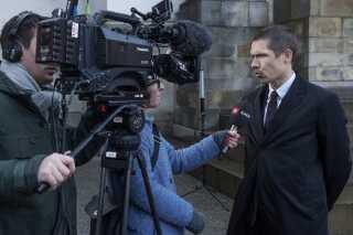 Anklager Rasmus Kieffer-Kristensen var tilfreds efter Højesterets dom i den sidste af ni prøversager om deling af børneporno. Nu vil 1.000 andre sigtede  og ventende unge snart høre fra politiet.