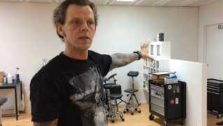 Lars Pedersen ejer Elektrisk Tatovering i Odense og formand for Professionelle Danske Tatovører.