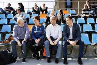Jan Bech Andersen overværer en reserveholdskamp. De to mænd i midten, afgående træner Thomas Frank og tidligere sportsdirektør Per Rud er ofte blevet kritiseret af den falske profil på Sydsiden.dk, som Jan Bech Andersen står bag. Til venstre er det Ulrik Wilbek, som er konsulent i Brøndby.