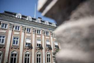 Johan Schlüters advokatfirma havde en af Københavns mest centrale adresser.