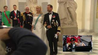 Norges kronprins Haakon og kronprinsesse Mette-Marit ankommer.