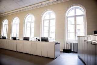 Københavns Byret, retssal 60, har dannet rammen om dagens første retsmøde i sagen mod Peter Madsen.