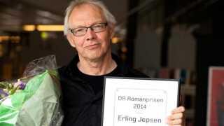 Erling Jepsen modtog lørdag DR Romanprisen 2014 for romanen 'Den sønderjyske farm'.
