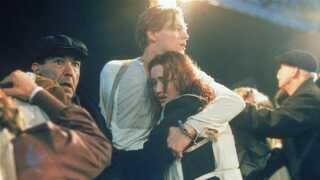James Camerons episke drama Titanic havde, trods et gigantisk budget, en række skønhedsfejl i dens tidsbillede. Blandt andet ryger statisterne moderne cigaretter med filter.