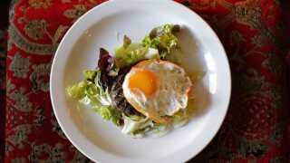 "En ""steak de Cheval"" med 100 procent rent hestekød som den serveres på den fransk restaurant Chez Sophie i det sydlige England"