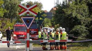 Ulykken skete ved en jernbaneoverskæring på Kalundborgvej i den vestlige del af Holbæk.