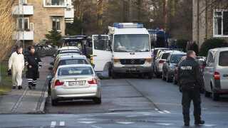En mand forklædt som postbud forsøgte at skyde Trykkefrihedsselskabets daværende formand, Lars Hedegaard på hans bopæl på Frederiksberg. (Foto: Claus Bech © Scanpix Denmark)