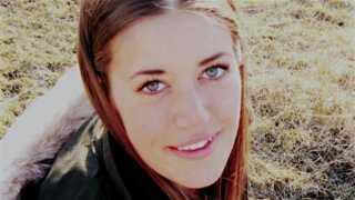 Mia Laursen på 22 var på boligjagt i Aarhus, da en udlejer krævede penge for at lade hende se en lejlighed.