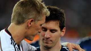 Messi fik rødt kort i sin landsholdsdebut.