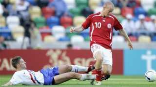 En ung Thomas Kahlenberg i kamp mod Holland ved EM 2006.