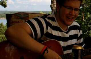 18-årige Andreas Edvardsen og ni andre blev dræbt på Kærlighedsstien på Utøya for to år siden.