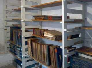 Arkiver i kælderen under køkkenet på Godhavn børnehjem.