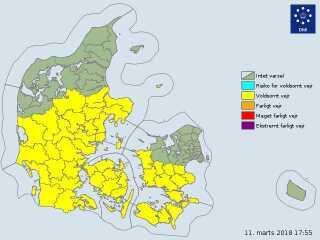 DMI's varsel om tæt tåge gælder de gule områder på kortet.
