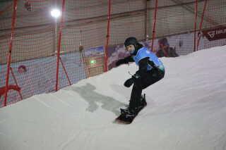 Daniel Wagner har stået på snowboard de sidste 10 år. Nu stiller han op i disciplinerne cross og banked slalom til vinter-PL.