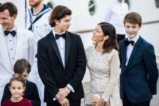 Både prins Nikolai og hans mor, grevine Alexandra skal med til festen i aften på Christiansborg Slot. (arkivfoto)