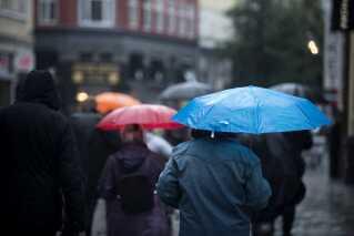 Onsdag ser ud til at blive en regnfuld og småblæsende affære.