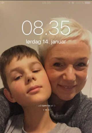 Billedet her tog jeg aftenen inden, han skulle opereres. Det var jeg lidt nødt til, siger Dorte Riis Hedemark.