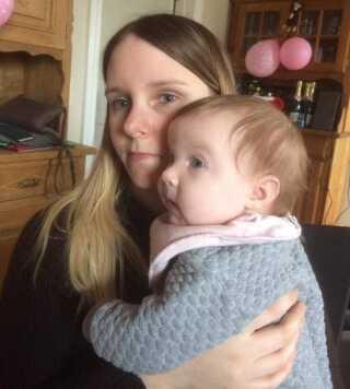 Christina Ravnsbæk Madsens baby vendte forkert, da hun blev født den 13. december sidste år. I dag har mor og datter det godt, og den lille pige har fået navnet Lucia.