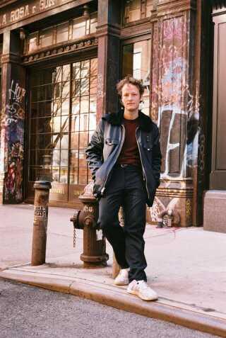 Den danske forfatter Mikkel Rosengaard bor og arbejder i New York.