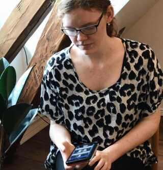 Cecilie Granbjerg er 19 år og udviklingshæmmet. App'en hjælper hende med at skabe ro og overblik.