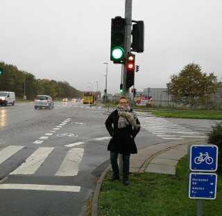Tine Staall Reiche fra Skanderborg oplever mange røde lys på cykelstien på sine daglige cykelture.