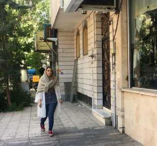 Golara Rooin vil blive i Iran, uanset hvem der vinder præsidentvalget.