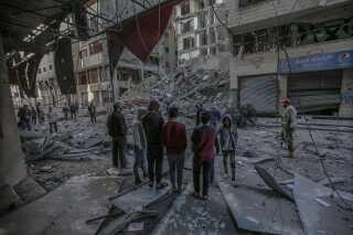 De sønderbombede rester af et lejlighedsbyggeri i Gaza City ramt af israelske luftangreb.