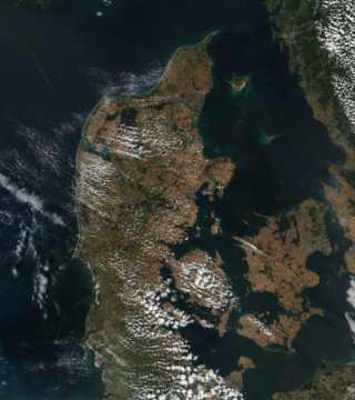 Danmark i juli 2018. Satellitfoto: Zoom Earth