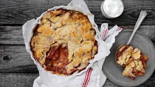Det er æblesæson: Bag de lækreste æblekager i weekenden
