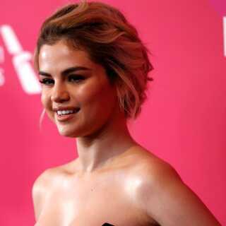 Fredag aften skal Sigmund optræde med et nummer af Selena Gomez.