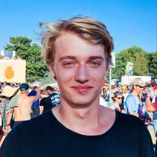 Viktor Skøtt Lenstrup har været fan af Saveus længe og har også set DR3-dokumentaren 'Martin uden X' med stor fornøjelse.