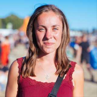 Frida Jensen er 20 år og fra Virum. Hun var særligt rørt af Martin Hedegaards følelsesladede reaktion på publikums opbakning.