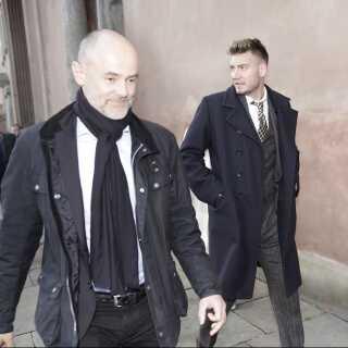 Nicklas Bendtner med sin forsvarer, advokat Anders Nemeth, på vej til retten.