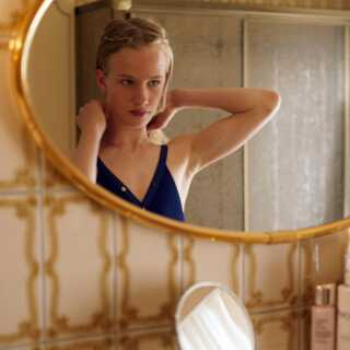 17-årige Victor Polster er et fund til rollen Lara, mener Per Juul Carlsen.