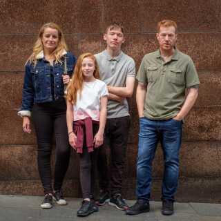 'Sorry We Missed You', der følger en engelsk arbejderfamilie, er en klassisk Ken Loach-film.
