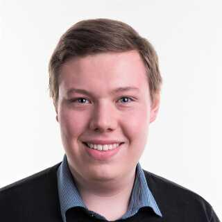 Nicolai Johansen glæder sig til at blive klogere på, hvordan Lotte Fabrin - der er efterskolelærer - forstår nogle af de problematikker, som de er uenige om.