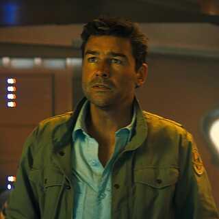 Kyle Chandler, der spiller faderen Mark Russell i filmen, har medvirket i et hav af tv-serier og film. I 2011 modtog han en Emmy for sin rolle i serien 'Friday Night Lights'.