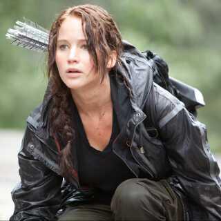 En ung Jennifer Lawrence i den første 'Hunger Games'-film fra 2012. De tre øvrige film udkom i 2013, 2014 og 2015.