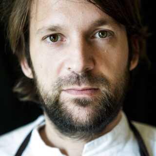 René Redzepi er køkkenchef og medejer af Noma, der nu er verdens næstbedste restaurant, ifølge World's 50 Best Restaurants.