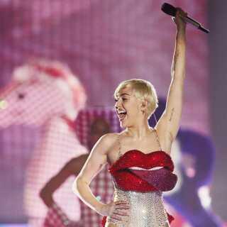 Miley Cyrus er i år et af hovednavnene på Tinderbox. Her er hun fotograferet i forbindelse med sin koncert i Forum i København i 2014.