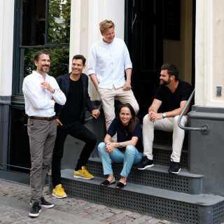Holdet bag den nye podcast-virksomhed Podimo: Nikolaj Koppel, Andreas Sachse, Sverre Dueholm, Eva Lægdsgaard og Morten Strunge.