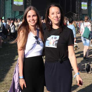 Mia Viberg (tv.) og Elsemarie Tjerrild manglede et lidt bedre sceneshow til koncerten med Nas, men var ellers meget tilfredse.