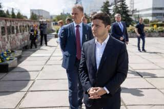 Ukraines præsident, Volodymyr Zelenskiy, til ceremonien ved Tjernobyl, hvor den nye kuppel over den ødelagte reaktor blev indviet. Præsidenten håber, at endnu flere turister vil lægge vejen forbi området, der for 33 år siden blev ramt af verdens største atomkatastrofe.