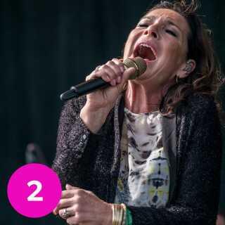 Den danske sangerinde og sangskriver Lis Sørensen har spillet i hele Danmark - her ses hun på Glostrup Festival i 2017.