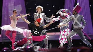 I 2010 blev Spaniens Eurovision-optræden afbrudt af baneløberen Jimmy Jump. Landet fik herefter lov til at optræde én gang til.