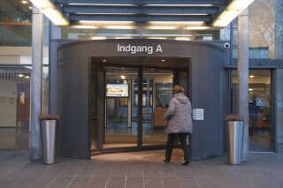 Regionshospitalet Horsens (billedet) og Regionshospitalet Randers er basale akuthospitaler, som ikke levner mange muligheder for besparelser for regionspolitikerne.
